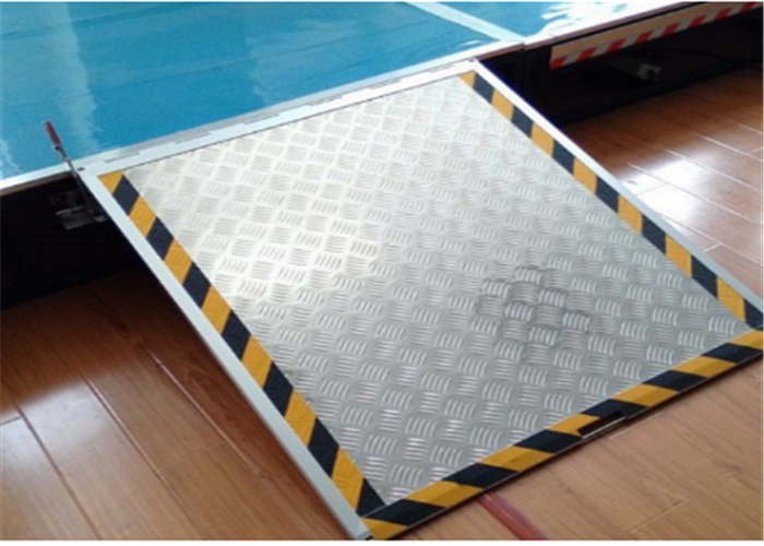 title='Electric wheelchair ramp (L/Folding) (WCR100E)'